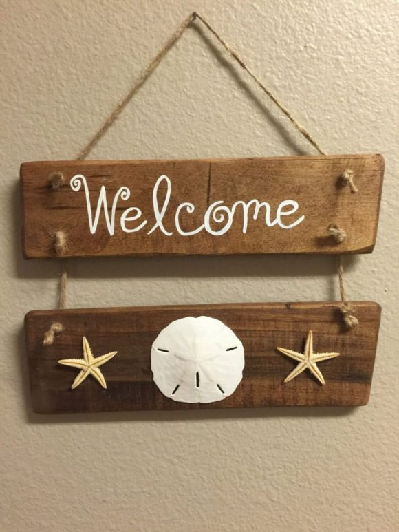 Charming Little Welcome Sign with Shells