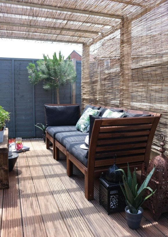 Long Deck Decor with Panel Flooring