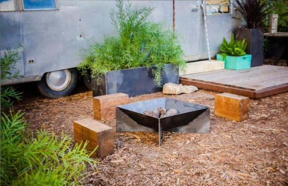 Rustic Look Fin Fire Pit