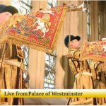 Las trompetas suenan al entrar el Papa en Westminster