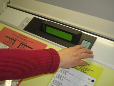 Abstimmen am elektronischen Wahlgerät