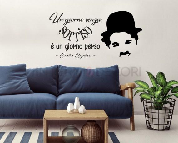 Adesivo murale-un giorno senza sorriso-frase adesiva Charlie Chaplin