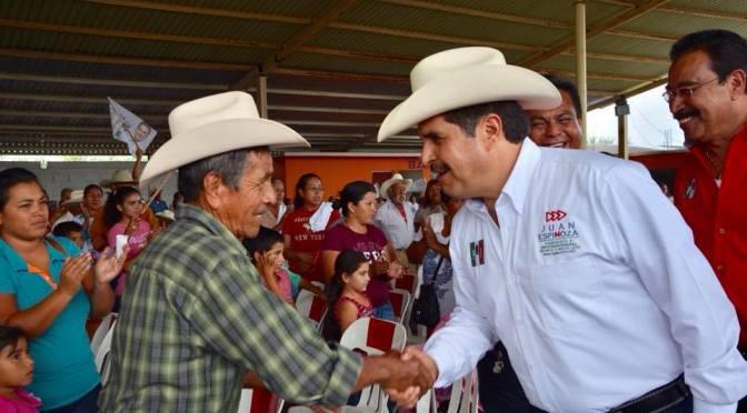 CANDIDATO A DIPUTADO FEDERAL D9 POR EL PRI, JUAN ESPINOZA EGUIA VISITO A CIUDADANOS DEL MUNICIPIO DE LINARES, N.L.