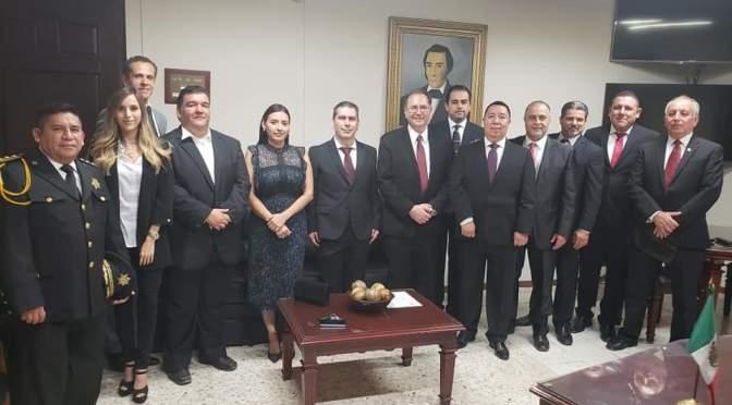 ALCALDE LUIS FERNANDO GARZA DIO A CONOCER LOS INTEGRANTES DEL EQUIPO DE TRABAJO DE DIFERENTES SECRETARIAS.