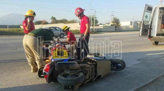 #ENVIVO #ACCIDENTE PERSONA RESULTA LESIONADA LUEGO DE DERRAPAR LA MOTOCICLETA EN LA QUE VIAJABA