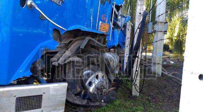 #ENVIVO #INTERNOTA FUERTE ACCIDENTE SE REGISTRA EN CARRETERA A CADEREYTA