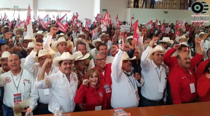 DIPUTADO FEDERAL JUAN ESPINOZA EGUIA ACUDE A SALTILLO A TOMA DE PROTESTA DE LA CNC.