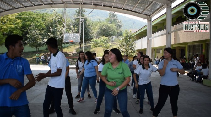 CON BAILE, PREMIOS, Y MUCHA DIVERSIÓN FESTEJAN EL DÍA DEL ESTUDIANTE EN EL CONALEP, DEL MUNICIPIO DE SANTIAGO, N.L.