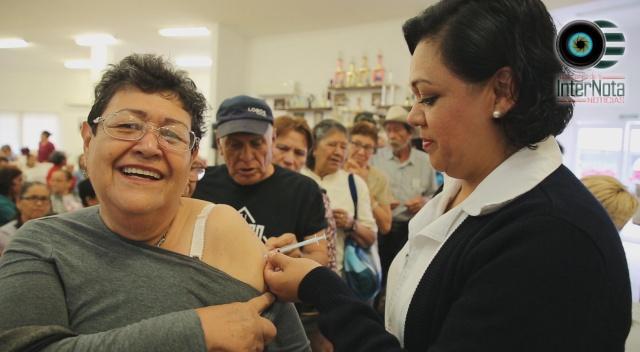REFUERZA ALCALDESA DE GUADALUPE CRISTINA DÍAZ CAMPAÑA CONTRA LA INFLUENZA.