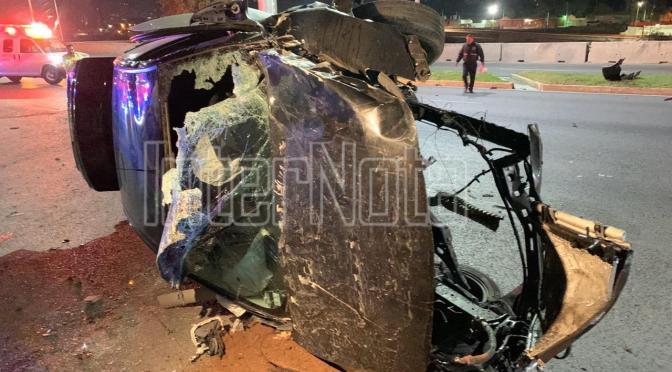 FUERTE ACCIDENTE DEJA PÉRDIDA TOTAL EL VEHÍCULO Y SE SALVA CONDUCTOR.