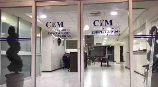 SUSPENDEN CLÍNICA TRAS MUERTE DE MODELO.