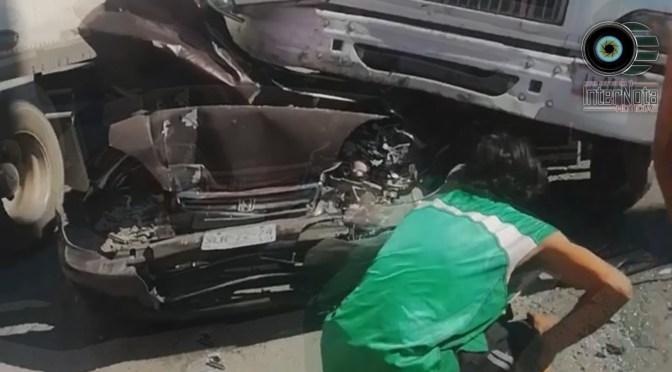 HOMBRE MUERE EN FUERTE ACCIDENTE VIAL CONTRA UN TRÁILER.