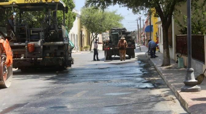LLEVAN A CABO OBRAS DE PAVIMENTACIÓN EN DIFERENTES PARTES DEL MUNICIPIO DE GENERAL TERÁN, N.L.