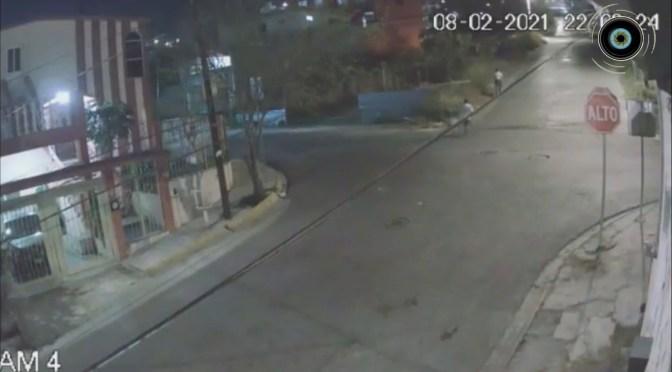 CÁMARA DE SEGURIDAD CAPTA ASALTO A MUJER EN LA COL ALTAVISTA.