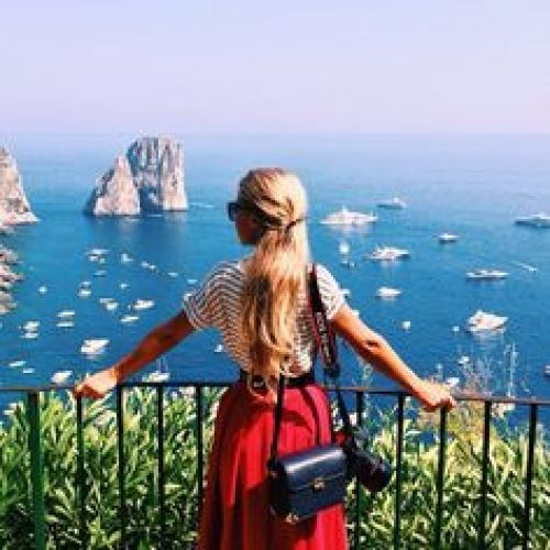 What Vacationing Has Shown Me About Thriving Without Social Media