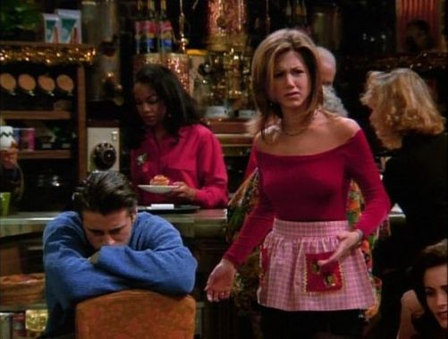 Our favorite Rachel Green outfits to copy and wear this season!