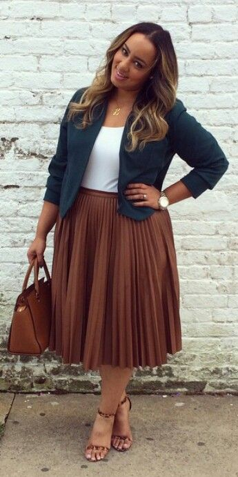 This is one of the plus size outfit ideas for fall that is cute and cozy.