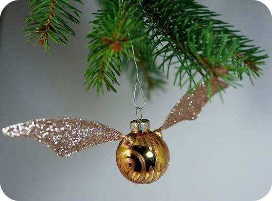 15 DIY Christmas Ornaments to Make You Tree Stand Out