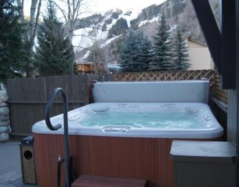 Aspen Mountain Lodge - hot tube