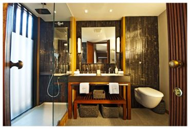 Aqua-Mekong-Design-Suite-Bathroom---High-Resolution