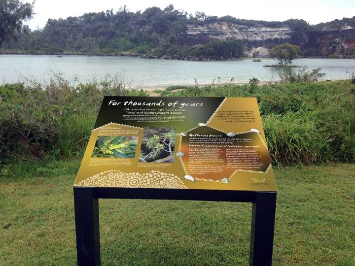 Midden interpretive sign, Wooli