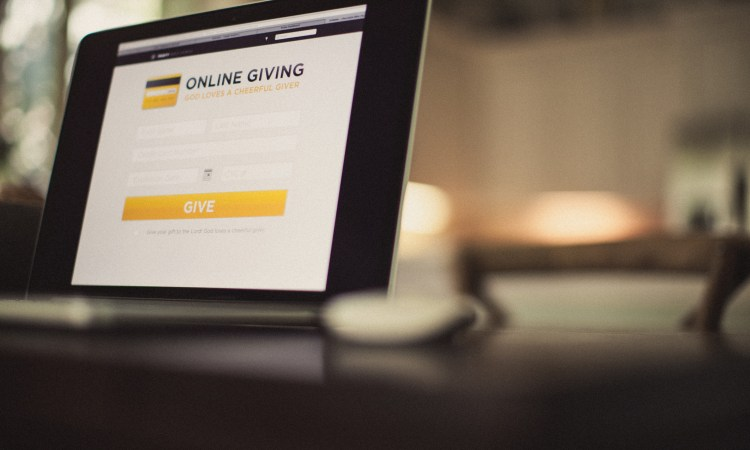 To Tithe or Not to Tithe? A New Testament Guide to Generous Giving. Credit: lightstock.com