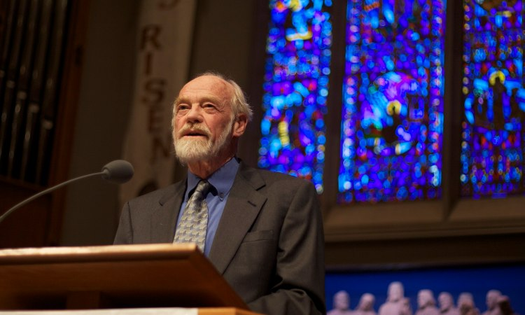Eugene Peterson. By Clappstar (Own work) [CC BY 3.0 (http://creativecommons.org/licenses/by/3.0)], via Wikimedia Commons