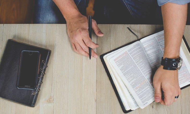 5 Ways Pastors Shouldn't Use Facebook