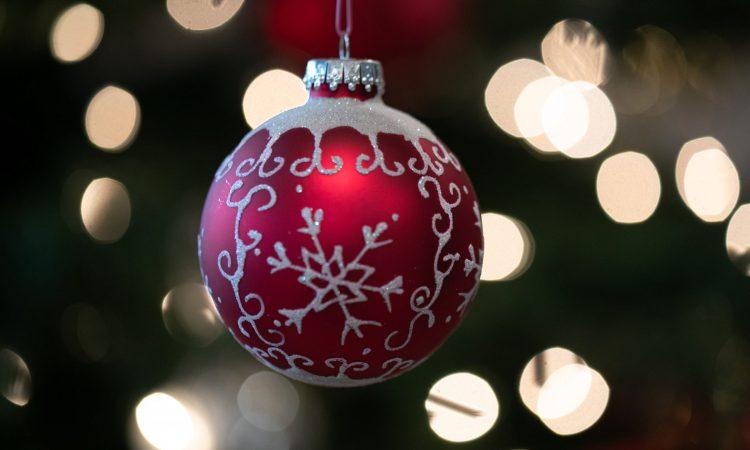 Christmas ball (credit: lightstock.com)