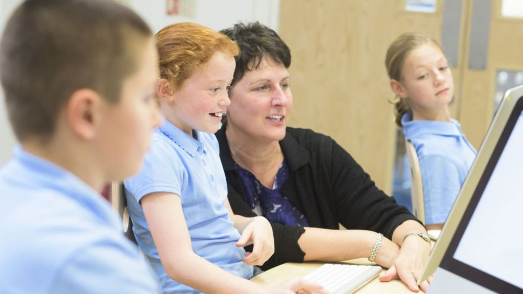 93828527 classroom976 - Heads increase pressure over school funding