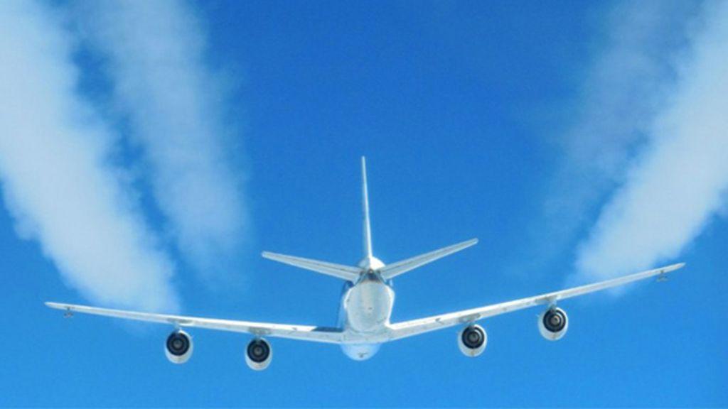 95167733 trails - Climate change: Biofuels 'could limit jet contrails'