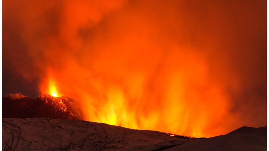 95185259 mediaitem95184155 - Mount Etna: BBC crew caught up in volcano blast