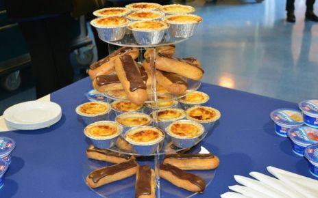 95288402 desserts - Let them eat cake!