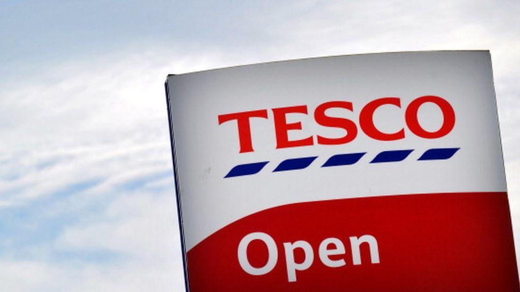 95347799 485066249 - Tesco shareholder opposes £3.7bn Booker takeover