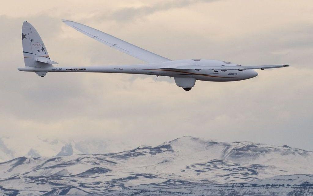 97686199 4dd3e37d 4f67 4096 be96 cf78c20b678c - Two-pilot glider team sets altitude record