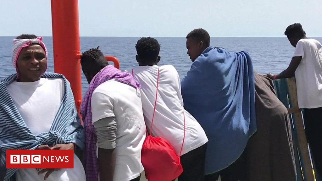 102042240 p06b656t - EU asylum and immigration policy for migrants on boats