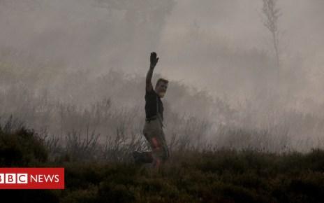102222660 hi047763008 - Saddleworth Moor fire: How crews are tackling the blaze