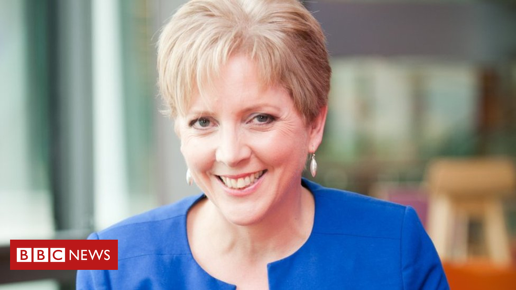 99500738 021835116 1 - BBC apologises to Carrie Gracie over pay