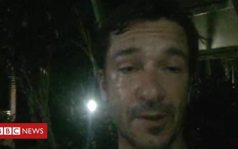 102310153 de27 - Thailand cave rescue: 'None of them can swim or dive'