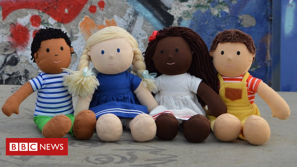 102318118 dollstravellinginberlin - The racially diverse dolls that 'look like me'