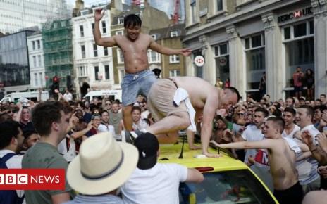 102432123 4faeeaf6 cfc2 4786 b0f9 3cf2aee3cffa - Did England fans celebrate their World Cup win too much?