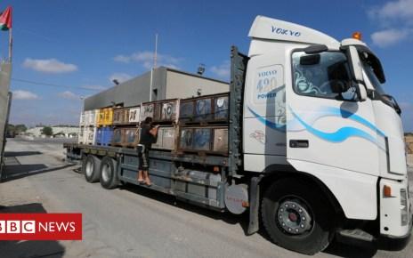 102458556 mediaitem102458552 - Israel closes main Gaza goods crossing in response to arson attacks