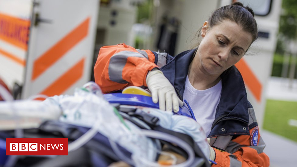 102561485 gettyimages 824938382 - Brain damage 'more likely in cardiac arrest patients given adrenaline'