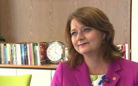 p069zw51 - Plaid Cymru needs co-leadership to stop 'plodding', Adam Price says