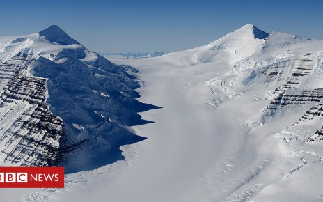 102785617 greenalnd - How Greenland scorched its underside