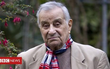 102844686 frresisttchaknew29nov11afpo - Arsène Tchakarian: French Resistance fighter dies aged 101