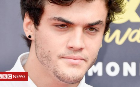 102856217 gettyimages 976541956 - YouTuber Ethan Dolan recovering after motorbike accident