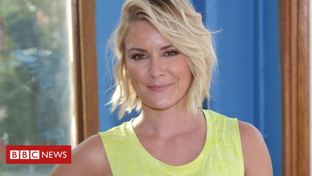 102908685 reneebig2 - WWE: Renee Young to be first female commentator on Raw
