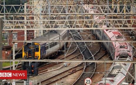 102948187 hi047227059 - Rail fares predicted to rise 3.5% next year
