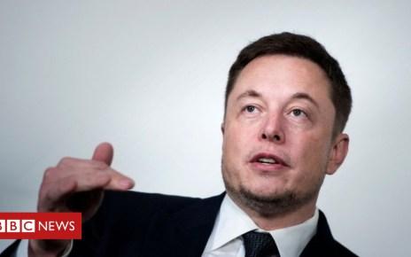 102954311 musk afp - Elon Musk says Saudis back Tesla buyout